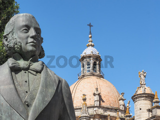 Kathedrale und Denkmal von Tio Pepe in Jerez de la Frontera