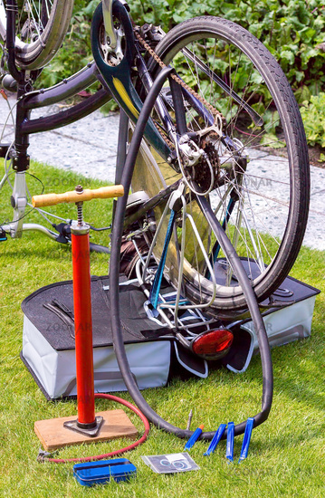 Bicycle upside down flat tire repair