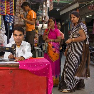 Indischer Schneider, Nordindien, Indien, Asien - indian tailor, North India, India, Asia