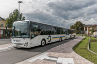Linienbusse am neuen Busbahnhof in Coswig