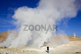 Geysire Sol de Manana mit Fotograf