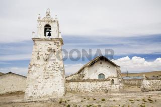 Adobe Kirche, Guallatiri, NP Reserva Nacional Las Vicunas, Chile, Adobe church in the village Guallatiri, Chile, South America