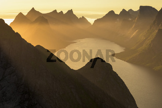Abendstimmung, Kjerkfjorden, Moskenesoeya, Lofoten