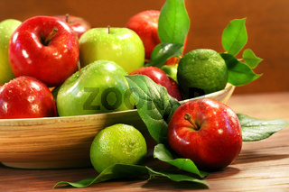 Red and green apples in a bowl