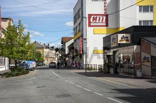 Hauptstrasse von Sanski Most, Bosnien