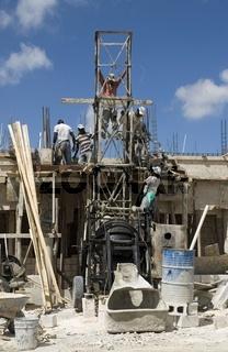 Bauarbeiten in der Dominikanischen Republik