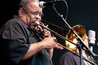 Fred Wesley & The New JBs
