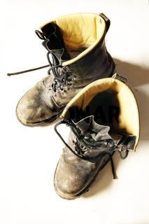 Schmutzige Lederstiefel - dirty leather boots