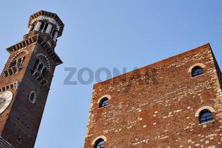 Die Torre dei Lamberti in Verona, Italien, Europa / Die Torre dei Lamberti in Verona, Italy, Europe