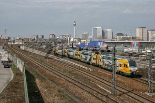 Regionalexpress auf dem Weg zum Berliner Ostbahnhof