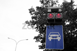 Blitzanlage an der Kreuzung