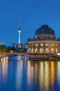 Fernsehturm und Bodemuseum in Berlin