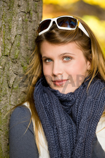 Autumn park - fashion woman with sunglasses