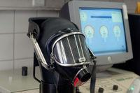 Atemschutzmaske auf Prüfkopf