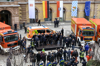 Abschlussveranstaltung fuer die Rettungskraefte auf der VDE8