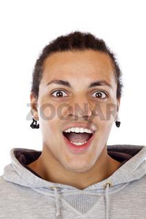 Porträt eines erstaunt blickenden dunkelhäutigen Jugendlichen.Freigestellt auf weissem Hintergrund.