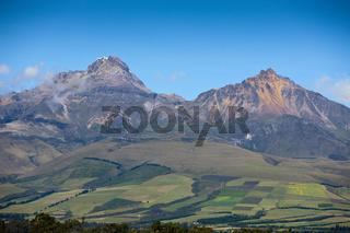 Blick auf Iliniza Sur und Iliniza Norte, Ecuador