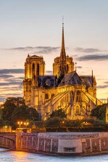 Die Kathedrale von Notre Dame bei Sonnenuntergang