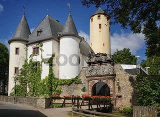 Burg Rittersdorf bei Bitburg, Eifel, Deutschland