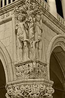 Venedig_Dogenpalast_H03SW