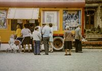 Kartenverkauf für den Zirkus Budapest in Annaberg (DDR 1978)