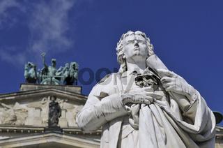 Detail des Schillerdenkmals vor dem Konzerthaus