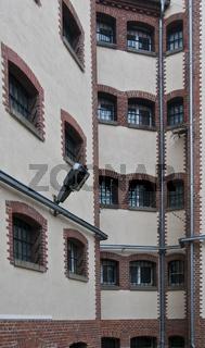 Innenhof im ehemaligen Untersuchungsgefaengnis der Stasi in der Lindenstrasse 54, genannt Lindenhotel, Potsdam, Brandenburg   Courtygard of the state security service of the GDR, Potsdam, Brandenburg