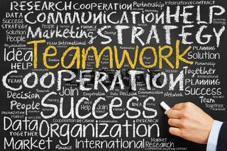 Teamwork Konzept auf einer Tafel