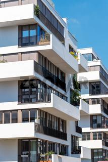 Moderne weisse Stadtvillen in Berlin