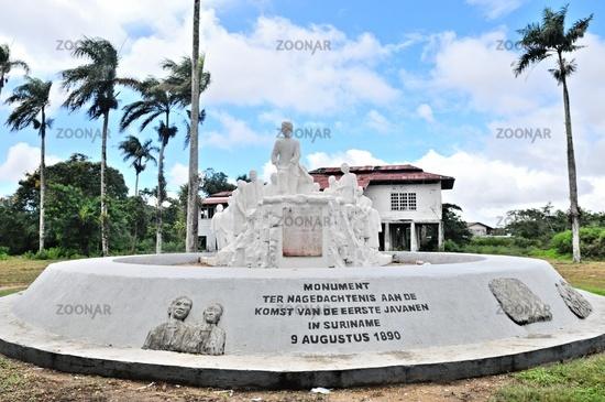 Monument für die ersten Javanesen in Suriname