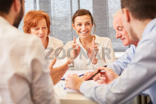 Business Team im Consulting Meeting