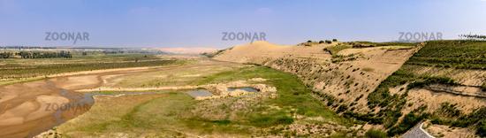 Trockenheit und Erosion am Ordos-Plateau, Innere Mongolei