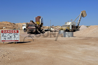 Spezielle Minenbaumaschinen in Opalmine in Coober Pedy, Südaustralien