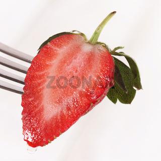 Erdbeere halbiert