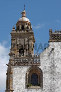 Kirchturm in Medina Sidonia. Andalusien