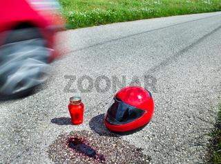 Sturzhelm nach Verkehrs Unfall