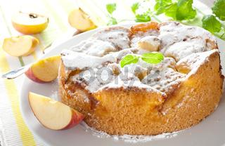 frischer Apfelkuchen / fresh apple pie