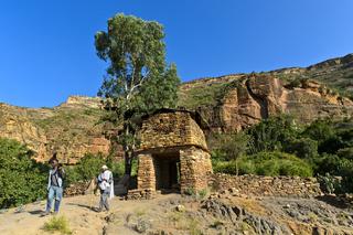 Eingang zur Felsenkirche Maryam Papasetti, Megab, Tigray, Äthiopien