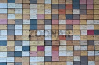 Wand mit Karteikarten ehemaliger SS Mitglieder in der Ausstellung Topographie des Terrors auf dem Gelaende der ehemaligen SS Zentrale, Berlin, Deutschland   Wall with index cards of former SS members in theTopography of Terror, exhibition on the grounds
