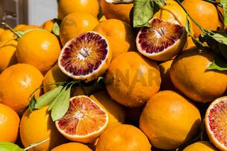Apfelsinen auf dem Markt, Orange on the market