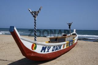 Fischerboot am Strand von Prampram
