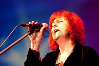 Maggie Reilly