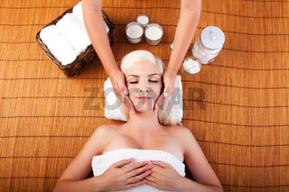 Relaxation pampering facial massage