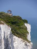 Kreidefelsen von Dover mit Leuchtturm