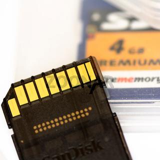 SD CARD Premium mit goldenen Kontakten
