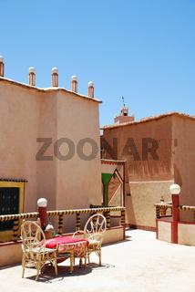 Dachterrasse eines Riad, Stampflehmarchitektur, Marokko, Afrika