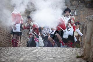 Scottish troops defending the bridge
