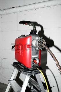 Rohrreinigungsmaschine im Einsatz