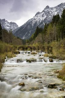 Wasserfall im Fischleintal, Dolomiten, Suedtirol