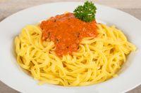 Fettuccine mit Tomaten-Basilikum-Soße